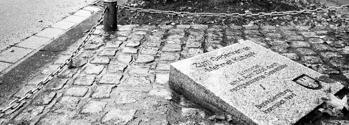 Gedenkplatte im Gedenken an Mehmet Kubasik
